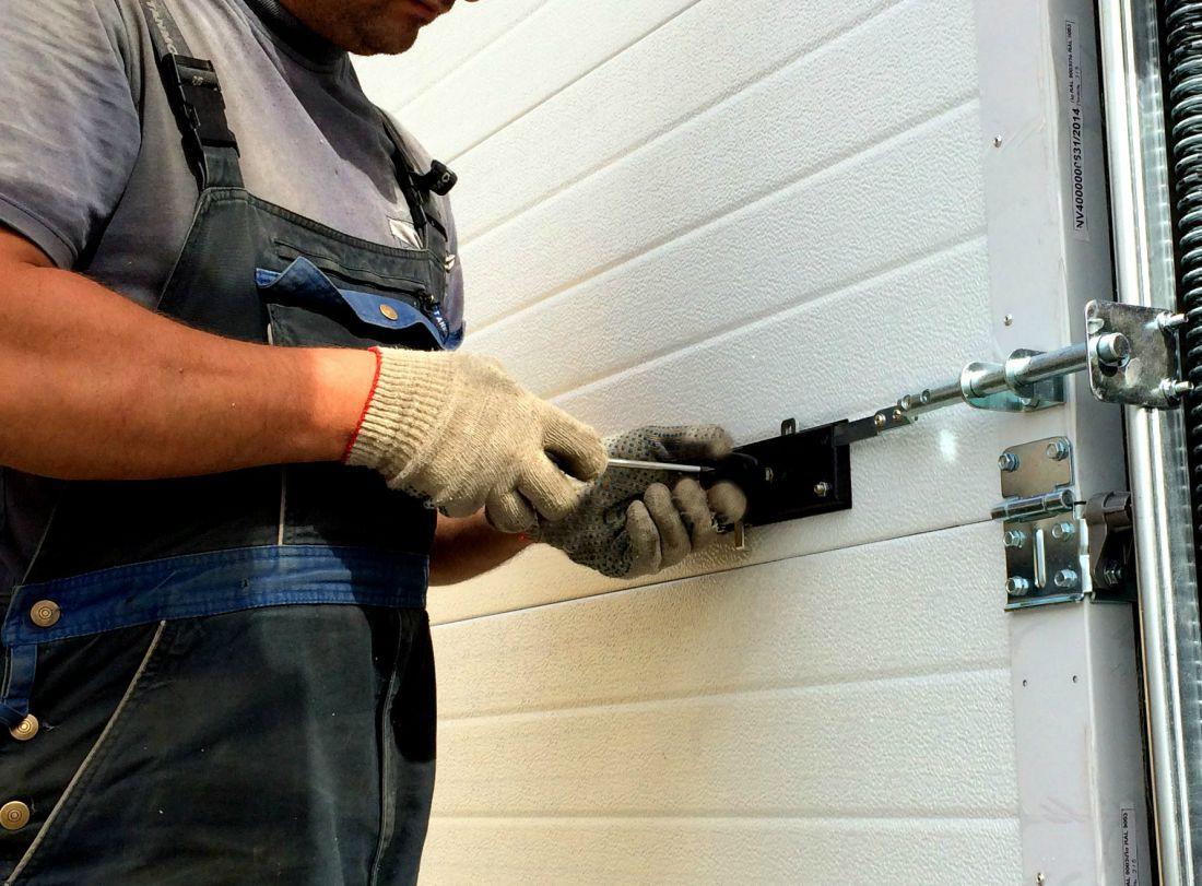 ремонт секционные ворот
